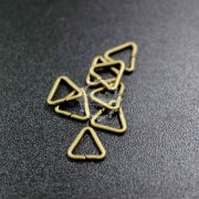 200pcs 7x1mm vintage style antiqued bronze triangle open jumpring DIY findings 1541009-2