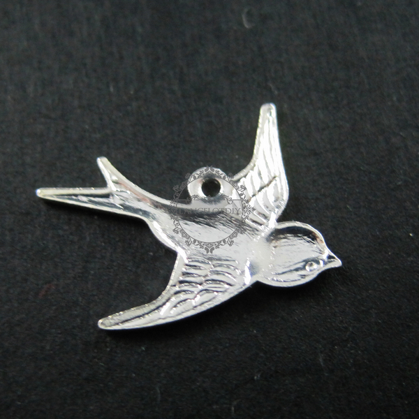 10pcs. Bird Sparrow Charm Pendant Bright Silver Plated